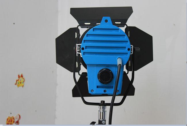 den-spotlight-650w-3