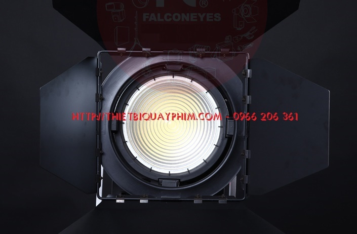 den-spotlight-led-300w-Falconeyes-4